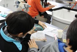 SSH第2回奈良学塾「小学生科学実験教室~かたくてとろけるチョコレートの科学~」を開催