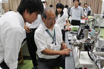 第2回SS出前講義「走査型電子顕微鏡で見た生物の世界」を開催しました