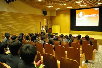 関西光科学研究所で研修