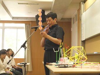 中1特別講座「ストロー笛の演奏会とご講演」を開催しました