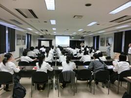 大阪府立環境農林水産総合研究所 水生生物センターへ学外サイエンス学習に行きました。