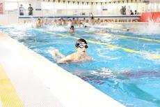 中学2年生の「水泳実習」を行いました
