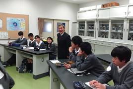 第4回SS 出前講義 「炭酸塩鉱物の地球化学」を開催しました