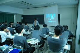 神戸大学理学部で学外サイエンス学習を行いました。