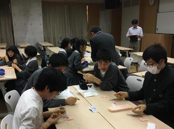 本校卒業生医師による医学科進学講座を開催しました。
