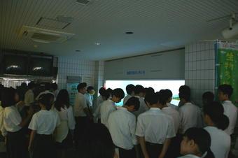 大阪府立環境農林水産総合研究所の「水産技術センター」で学外サイエンス学習を行いました