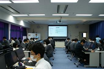 高校1年生39名がSS基礎「学外サイエンス学習」を行いました。