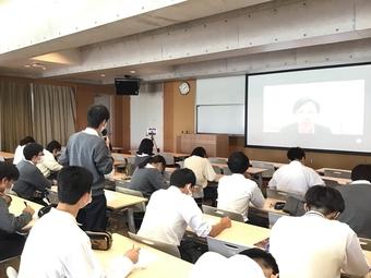 第1回「文系科学探究講演会」を行いました